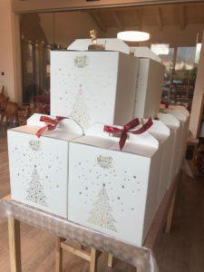 Pacchi Natalizi in deliziose scatole decorate